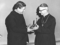 Don Ugo Carletti insieme al Cardinale Nasalli Rocca